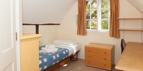 Photo of a top floor room in Oriel