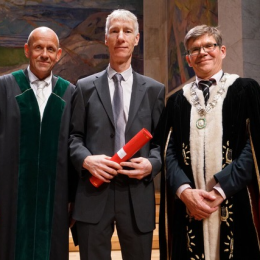 Professor Ian Horrocks receiving honorary doctorate from the University of Oslo